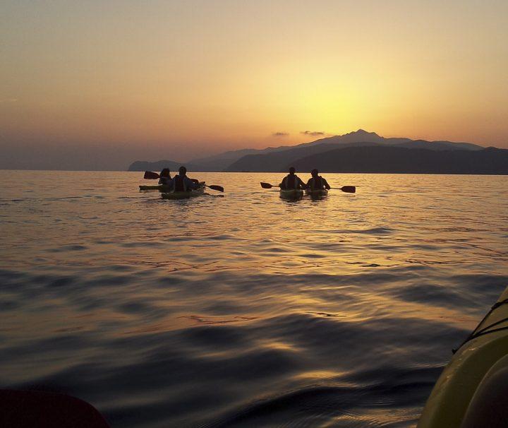 kayak tramontoIsola d'Elba lezione sulla spiaggia1140