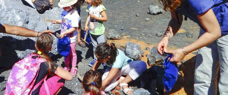 Pomeriggio da geologoIsola d'Elba escursione trekking per famiglie